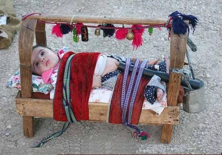 Modelul afgan pentru scutece